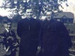 Od  lewej: ks. Józef  Drożdż i ks. Władysław Smereka